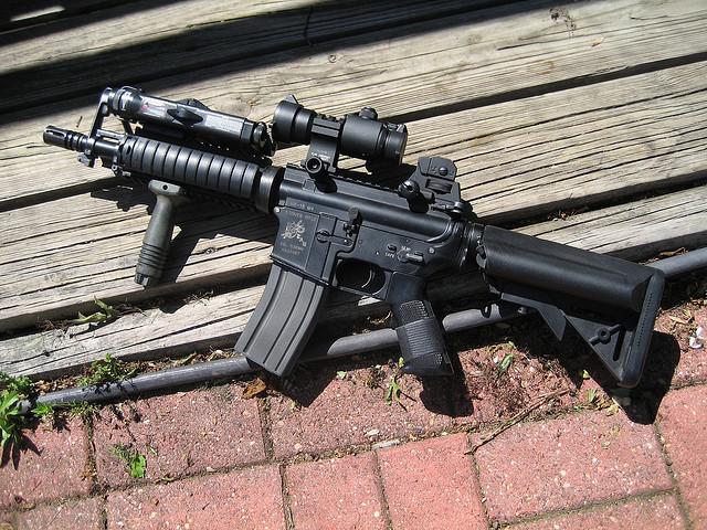 実銃の価格